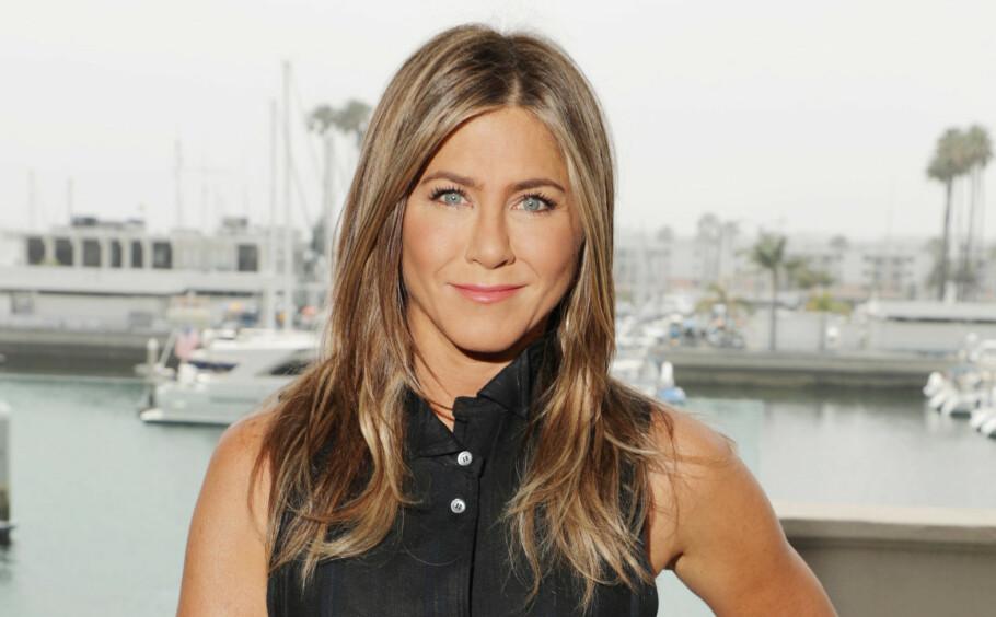 FEMTI OG FAB: I februar fylte skuespiller Jennifer Aniston 50 år. Til magasinet InStyle forteller hun at hun for første gang i livet faktisk er blitt bevisst på alderen sin. Dette bildet ble tatt sommeren 2019. FOTO: NTB Scanpix