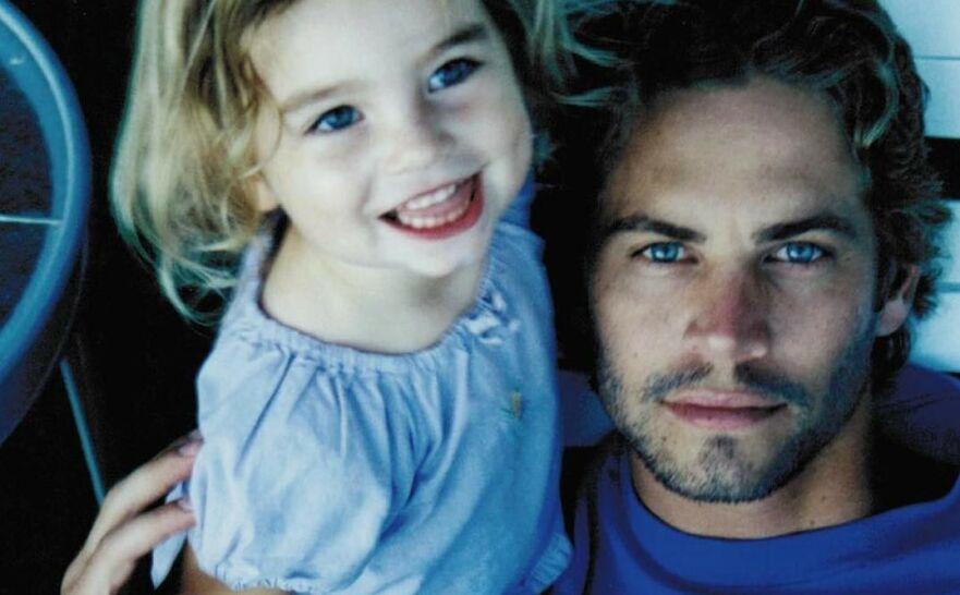 SPESIELT BÅND: Paul Walkers datter, Meadow, delte dette bildet til minne om sin avdøde pappa på Instagram. FOTO: Instagram (@meadowwalker)