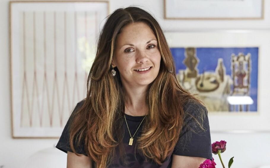 INTERIØR: Christina Jakobsen Jørgensen vil at innredningen skal virke tilfeldig, og hun liker ikke når det blir for symmetrisk. FOTO: Ditte Capion