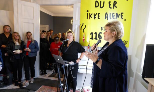 I FJOR: På «Verdensdagen for selvmordsforebygging» høsten 2018 hadde Else Kåss Furuseth invitert til åpent hus hjemme i leiligheten på Bislett i Oslo - statsminister Erna Solberg var til stede. FOTO: NTB Scanpix