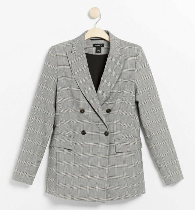Blazer  | Lindex | https://www.lindex.com/no/dame/overdeler/jakker/7913310/Rutet-blazer?utm_source=aller&utm_medium=content&utm_content=ysm&utm_campaign=1911_woman-september