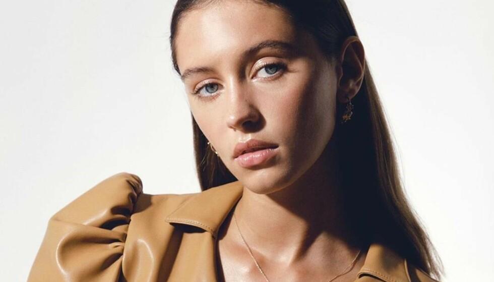 MODELL: Smellvakre Iris har jobbet for blant annet Burberry og Calvin Klein – og hun er bare 18 år gammel. Fremtiden ser lys ut! FOTO: Scanpix