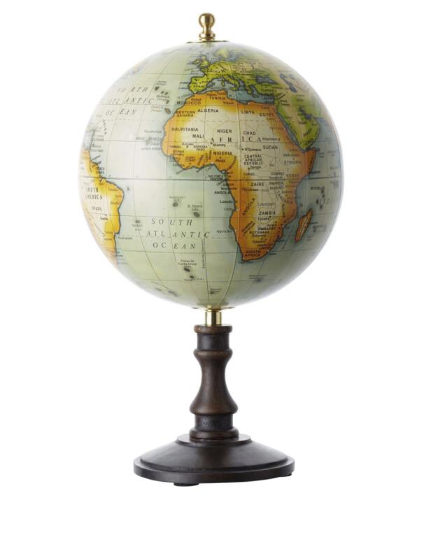 Globus (kr 250, Indiska). FOTO: Produsenten
