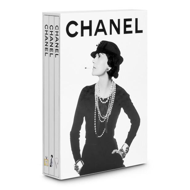 Sett med Chanel-bøker (kr 570, Assouline). FOTO: Produsenten