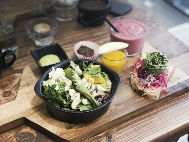 Maten på A-vo-ca-do er både god og fotogen. FOTO: Dorte Mosbæk