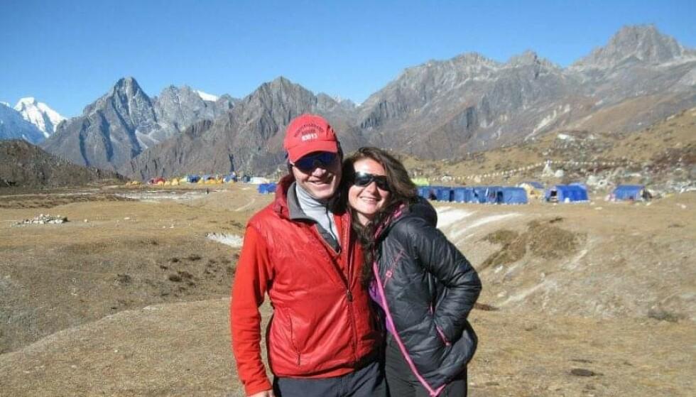 Jennifer var aktiv klatrer før hun ble syk. Her på basecamp i Nepal med gode klatrevenner i 2012. FOTO: Privat