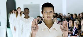 Gucci-modell vekket oppsikt med sin spesielle protest på catwalken