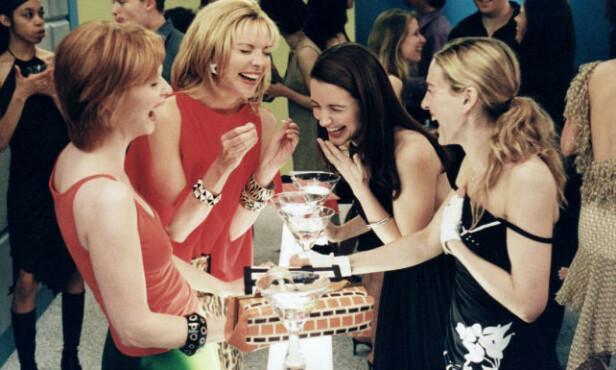 HUMOR PÅ SITT BESTE: De fire venninnene har sørget for latter og tårer i mange år. Foto: Scanpix