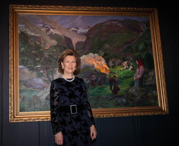 ÅPNET UTSTILLING: Dronning Sonja er svært kunstinteressert, og åpnet Nikolai Astrup-utstillingen på Dulwich Gallery i London i 2016. FOTO: NTB Scanpix