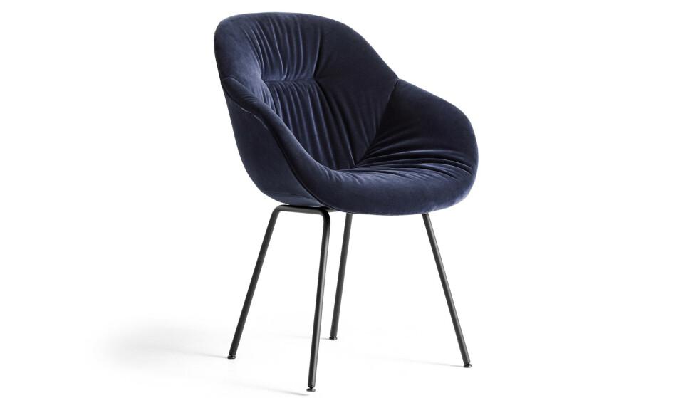 «About a Chair 127», polstret spisestol (fra kr 5490, Hay). FOTO: Produsenten