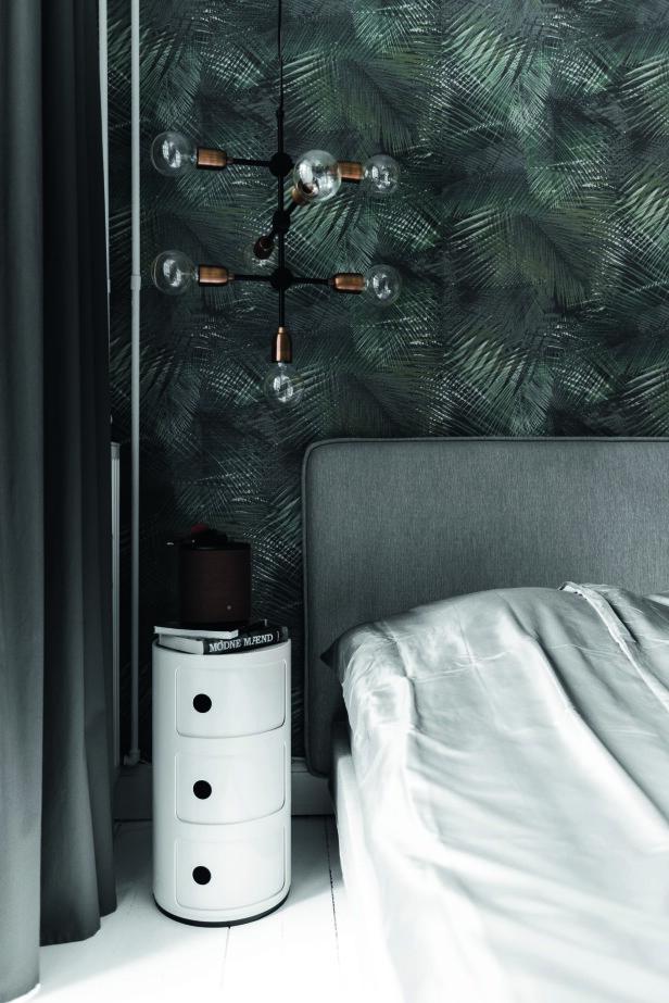 Gi soverommet karakter med en markant, skulpturell pendellampe. Her får den markante lampen fra House Doctor gjøre jobben både som taklampe og leselys. FOTO: Benjamin Lee Rønning Lassen
