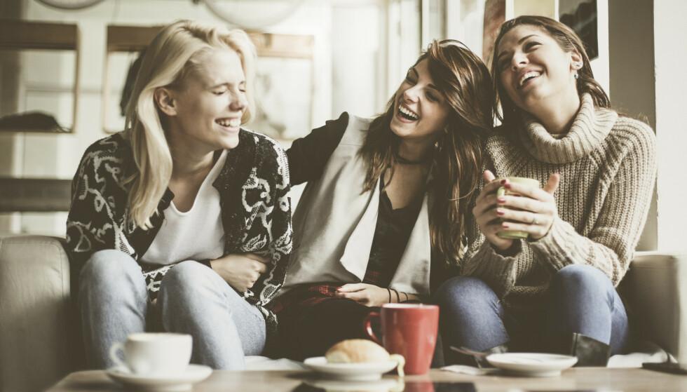 VENNER I VOKSEN ALDER: - Det er en fordel å fordele tiden din på flere venner, sier psykolog Camilla Carlsen Bechsgaard. FOTO: NTBScanpix