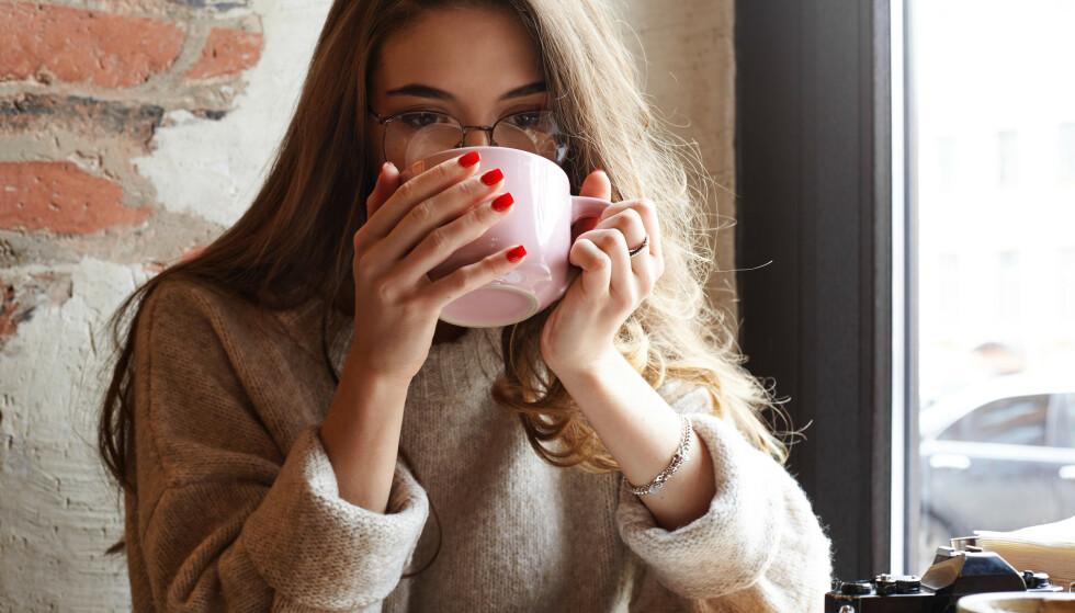 <strong>GODT:</strong> - Drikk gjerne te (hvis du liker det), men jeg ville ikke satset på at det skulle redde hukommelsen min, sier eksperten. FOTO: NTB Scanpix