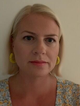 KRONISK HODEPINE: Therese har prøvd en lang rekke ulike medisiner og behandlingsmetoder, så langt uten effekt. FOTO: Privat