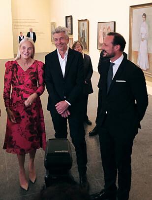 ÅPNING: I Düsseldorf åpnet kronprinsparet utstillingen «Edvard Munch gesehen von Karl Ove Knausgård» på galleriet K20. FOTO: Malini Gaare Bjørnstad