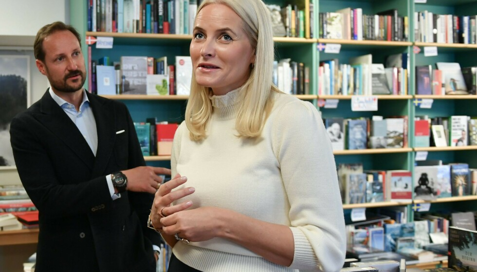 <strong>I TYSKLAND:</strong> I midten av oktober er kronprinsparet på offisielt oppdrag i Tyskland, hvor litteratur står på agendaen. Her i Pankbuch, en bokhandel i Berlin som fokuserer på nordisk litteratur. FOTO: NTB Scanpix