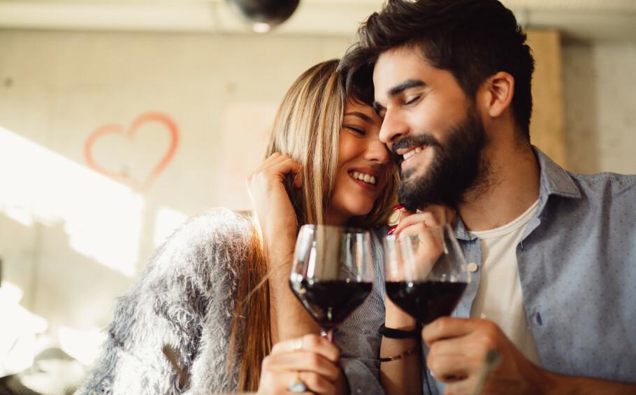ALKOHOL: Både fars og mors alkoholvaner betyr noe for kommende barns helse. FOTO: Drazen Zigic / Shutterstock / NTB scanpix