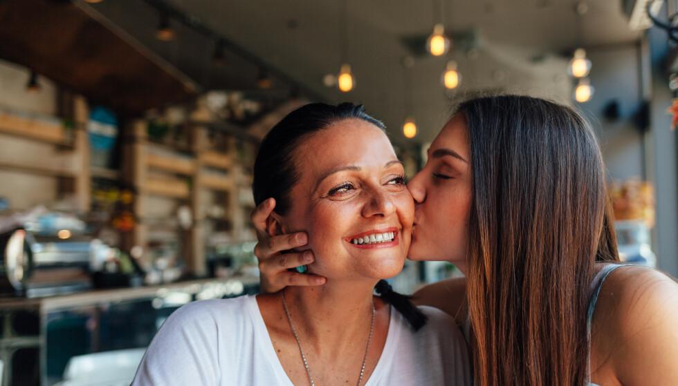 ET NÆRT FORHOLD: - Det å bruke tid sammen er som en vitamininnsprøytning, sier ekspert. FOTO: NTB Scanpix