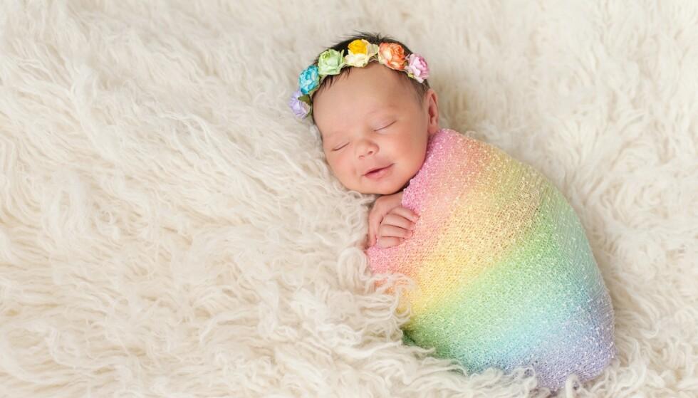 REGNBUEBABY: I USA er det ikke uvanlig at foreldre hedrer sine regnbuebarn med egne fester. FOTO: NTB Scanpix