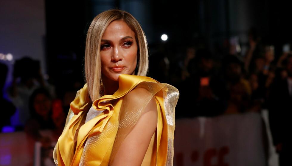 SPILLER STRIPPER: I disse dager er Jennifer Lopez er aktuell med strippefilmen Hustlers. Der måtte hun trene ekstra mye og hardt for å lære seg pole dancing. FOTO: NTB Scanpix.