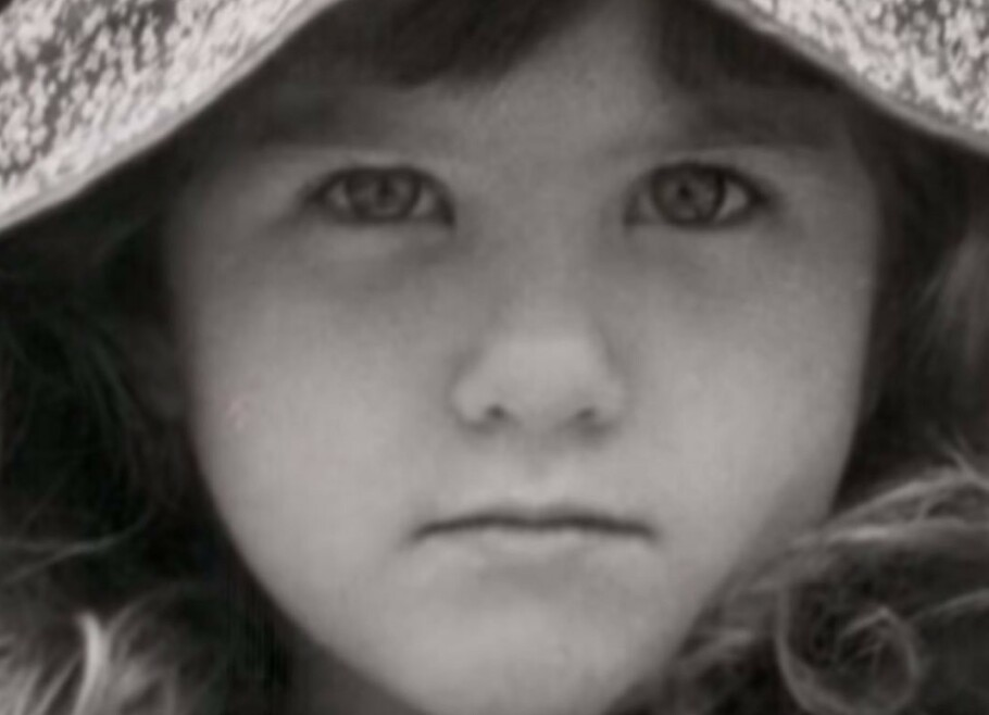 SUPERSTJERNE: Denne lille jenta skulle med tiden bli en berømt skuespillerinne – kanskje en av de mest kjente gjennom tidene. FOTO: Instagram