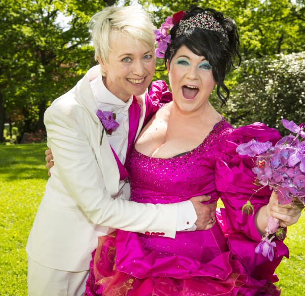 KONA: Christine Koht og forfatter og oversetter Pernille Rygg giftet seg i Ris kirke i 2013, etter å ha vært kjærester i 23 år. FOTO: Privat
