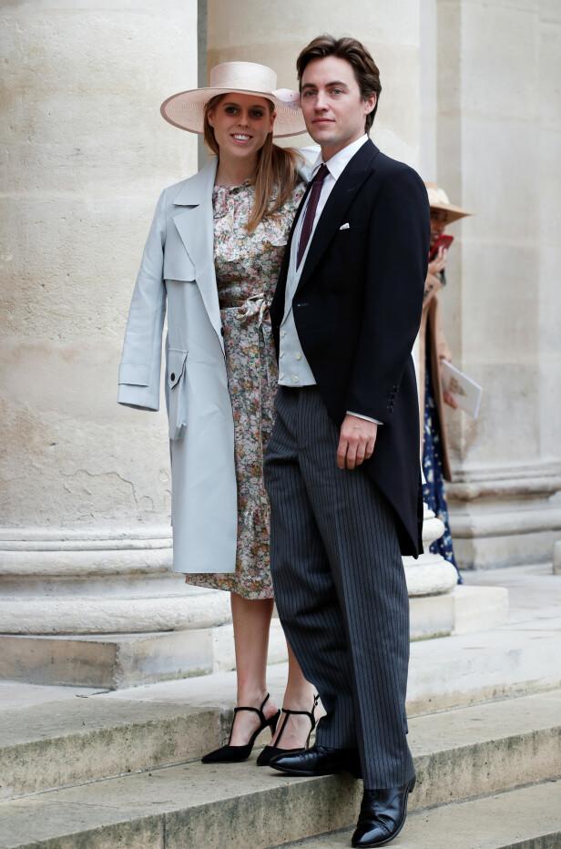 Prinsesse Beatrice og forloveden Edoardo Mapelli Mozzi ankommer vielsen. Foto: NTB Scanpix