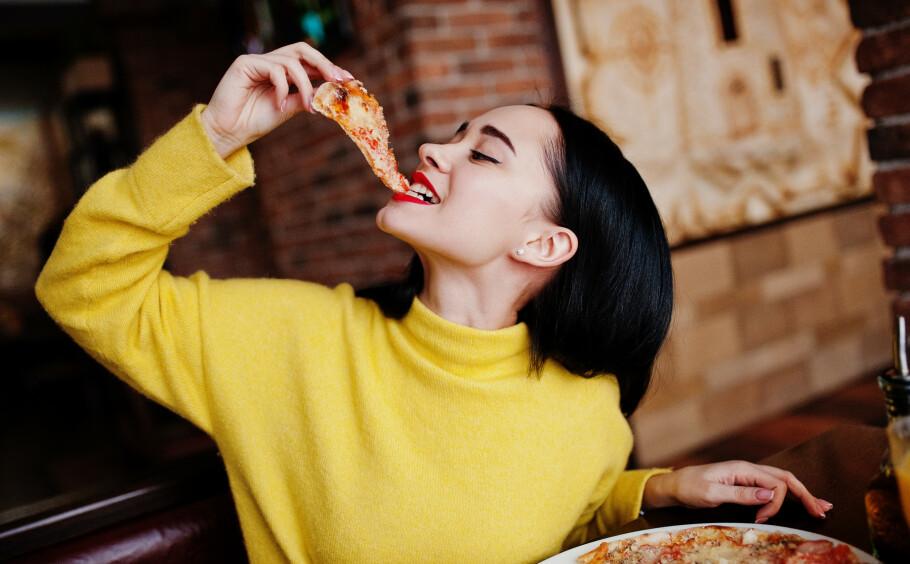 LIVSSTIL OG KOSTHOLD: Høyt kolesterol skyldes som regel en usunn livsstil. FOTO: NTB Scanpix