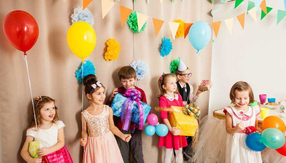 GAVESTRØM: Det kan bli svært mange gaver etter en barnebursdag, og mange gaver å kjøpe i løpet av et år. Hva med gjenbruk? FOTO: Scanpix