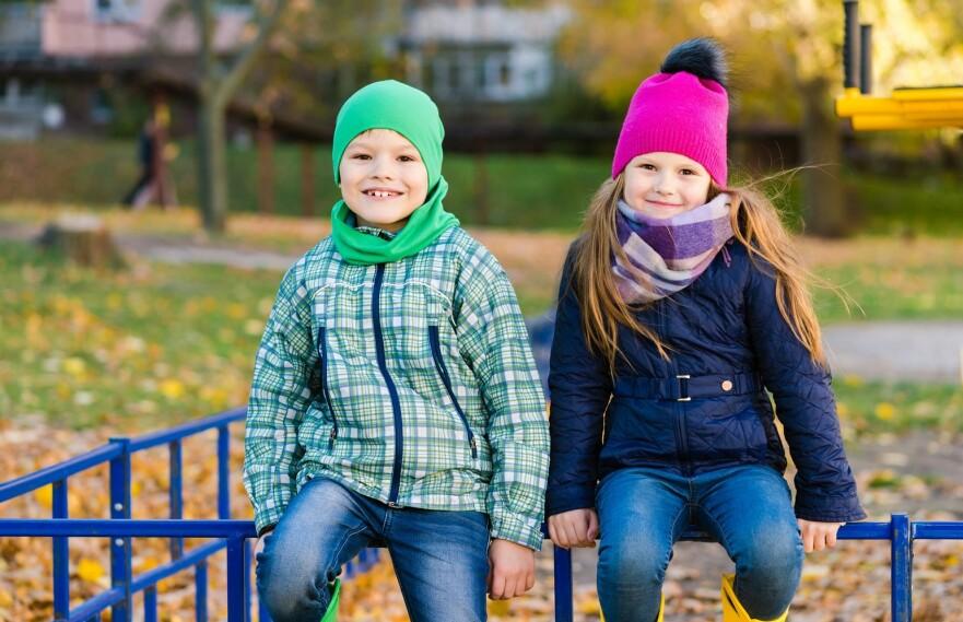 DELE BARN ETTER KJØNN: Barnebursdager og idrettslag er to eksempler på det trebarnsfaren mener er unødvendig kjønnsdeling. FOTO: NTB Scanpix
