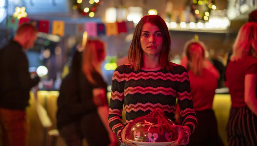 DRAMAKOMEDIE: Ida Elise Broch spiller evig single Johanne i Netflix-serien «Hjem til jul». FOTO: Netflix