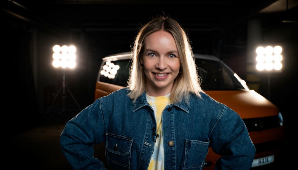 SYNGE MED: - I bil hører jeg gjerne på sanger jeg elsker å synge med på, sier Christine Dancke som er klar for bilkjøring med våre mest populære artister. FOTO: Robert Rønning