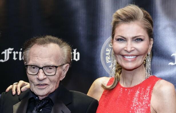 <strong>BRUDD:</strong> Etter 22 års ekteskap har 85-åringen Larry King tatt ut skilsmisse mot kona Shawn King. Dette bildet er fra 2018. FOTO: NTB scanpix