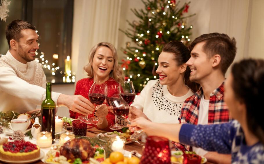 JULEFEIRING: Her i Norden har vi som tradisjon å feire julaften kvelden 24. desember, mens det i for eksempel USA og Storbritannia er vanlig å starte feiringen på morgenen 25. desember. FOTO: NTB