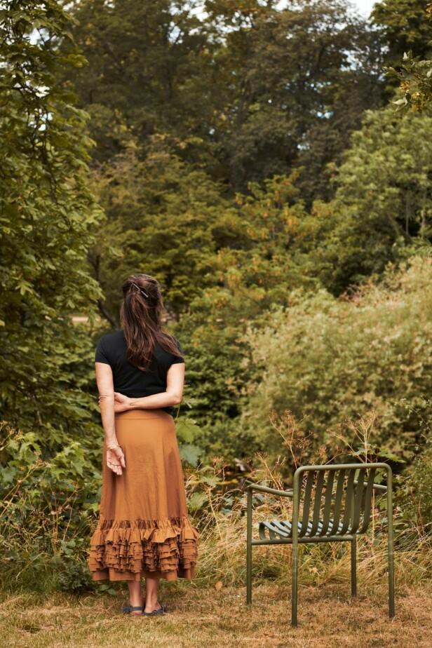 – Boken har fått meg til å innse at jeg kan sette mine egne grenser, sier Elisabeth. FOTO: Robin Skjoldborg