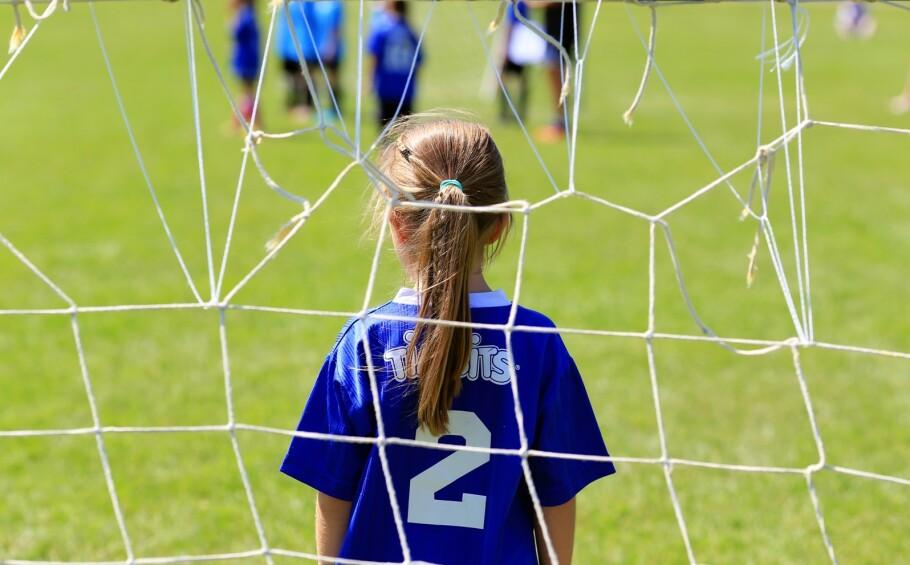 DYR BARNEIDRETT: Kostnadene for å delta i idrett har mange steder blitt så høye, at foreldre velger å ta barna sine ut av idretten. FOTO: NTB Scanpix