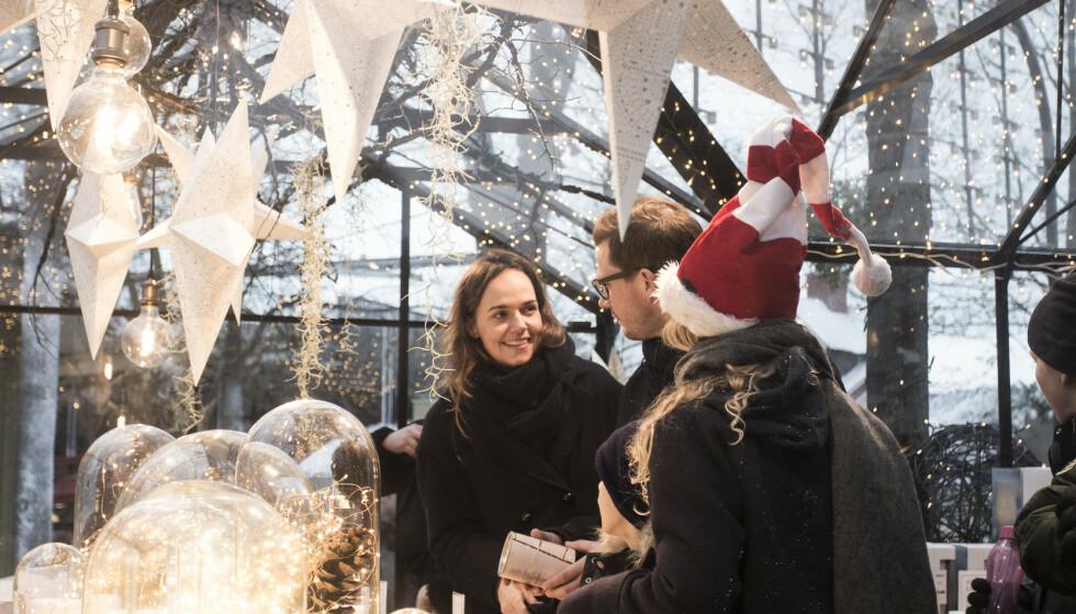 JUL I TIVOLI: Når dere ankommer København kan dere glede dere til herlig julemagi i Tivolis julemarked.