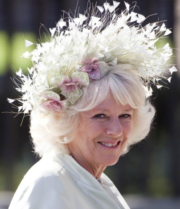 HATTEFIN: Camilla har fått mye oppmerksomhet for sine kreative hatter. FOTO: NTBScanpix