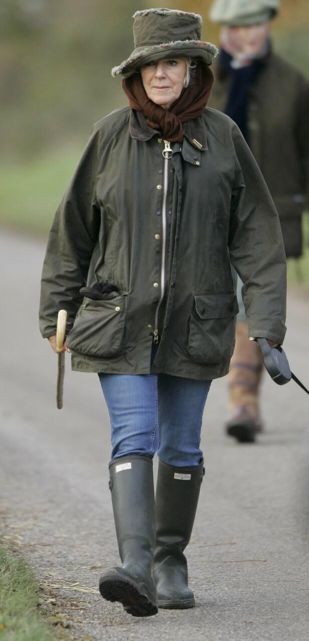NATURLIG: Camilla trives godt i naturen, og er ikke redd for å vise seg i i jeans og støvler. FOTO: NTBScanpix