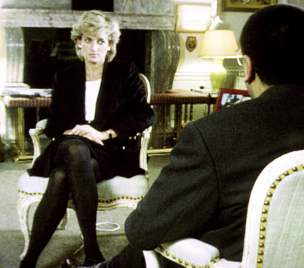 THREE OF US: Diana i TV-intervjuet med Martin Bashir på BBC, der hun kom med de forglemmelige ordene: De hadde vært tre i ekteskapet, og at det dermed var litt folksomt. FOTO: NTBScanpix