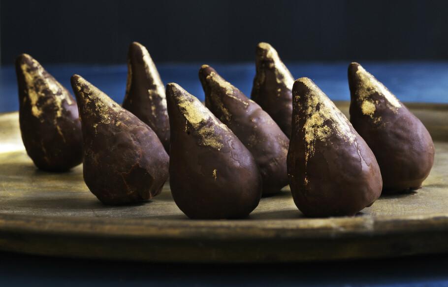 Tåreformede sjokoladetrøfler med fiken. FOTO: Columbus Leth