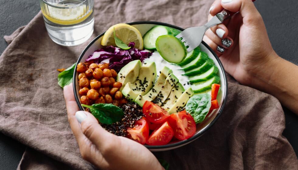<strong>SUNNE MATVANER:</strong> Det viktigste er å spise variert, for å få i deg alt du trenger i løpet av dagen. FOTO: NTB Scanpix