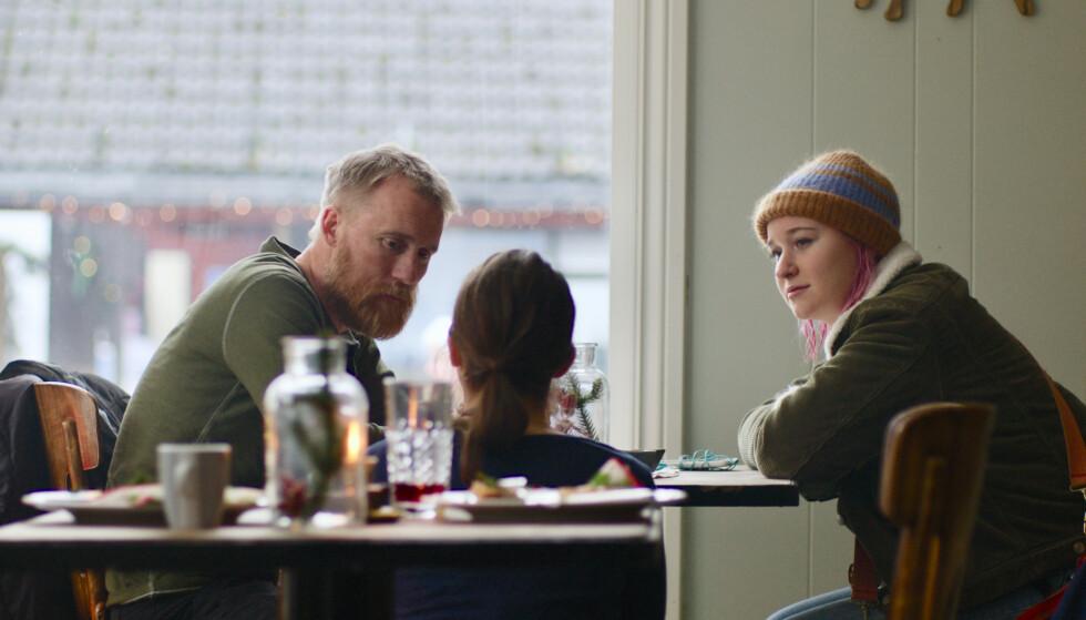 KONFLIKT: Far og datter Stein og Elise sliter med å takle hverandres sorgreaksjon i filmen Tunnelen. FOTO: Nordisk film Distribusjon/Nordisk film Production