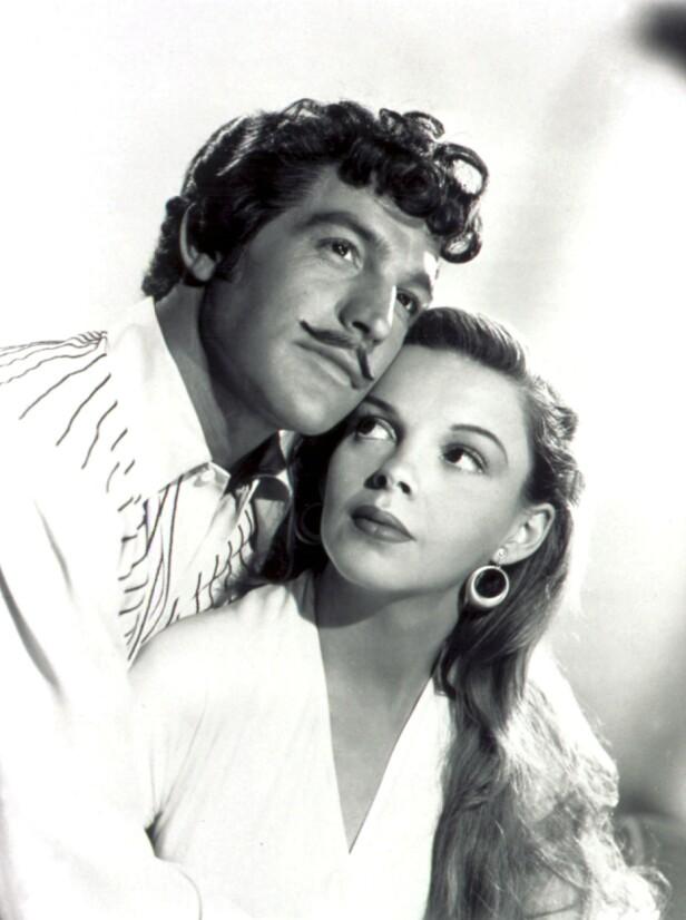 Gene Kelly og Judy Garland i spilte sammen i musikalfilmen «The Pirate» i 1948. FOTO: NTBScanpix