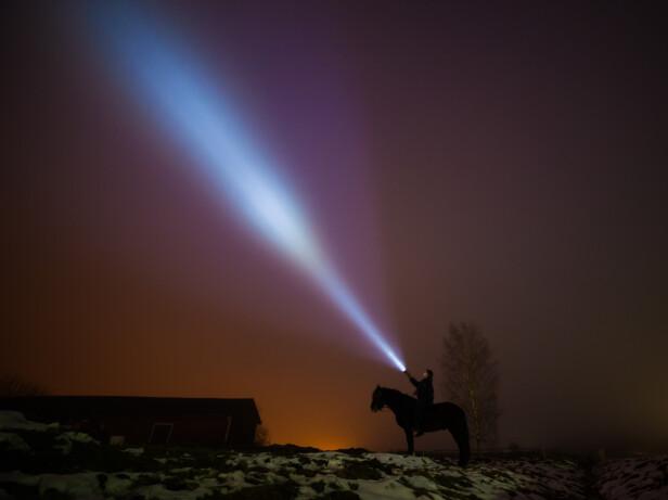 LIVSKVALITET: Hester og stjernehimmel er viktige for Charlottes livskvalitet. FOTO: Privat