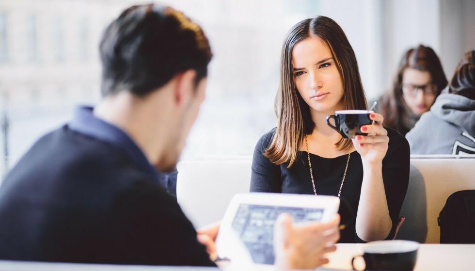 MANGLENDE NÆRHET: Hvis problemene ignoreres over lang tid kan det skape stor avstand mellom partnere. Og som oftest er det menn som unnviker. Foto: Scanpix.