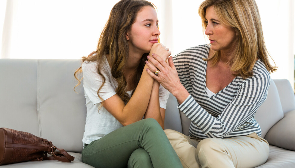 TENÅRINGER: Det er ikke alltid lett å ha tenåringer i hus, men det er heldigvis gode råd for å unngå at du går fra superhelt til superdust. FOTO: NTB scanpix