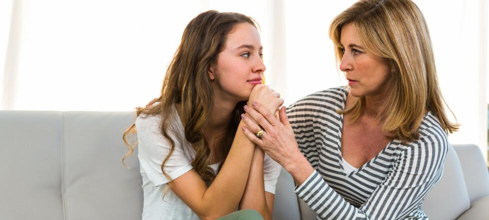 Hvorfor blir tenåringer så flaue over foreldrene sine?