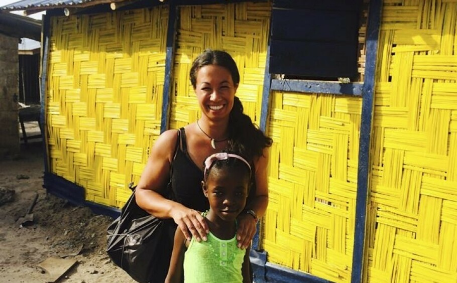 I Liberia fant Magda Gad lille Gloria (10) døden nær. Hun tok hånd om henne og sørger for at hun har det så bra som mulig, men utlendinger får ikke adoptere liberiske barn, som hun så gjerne skulle gjort. FOTO: NTB scanpix