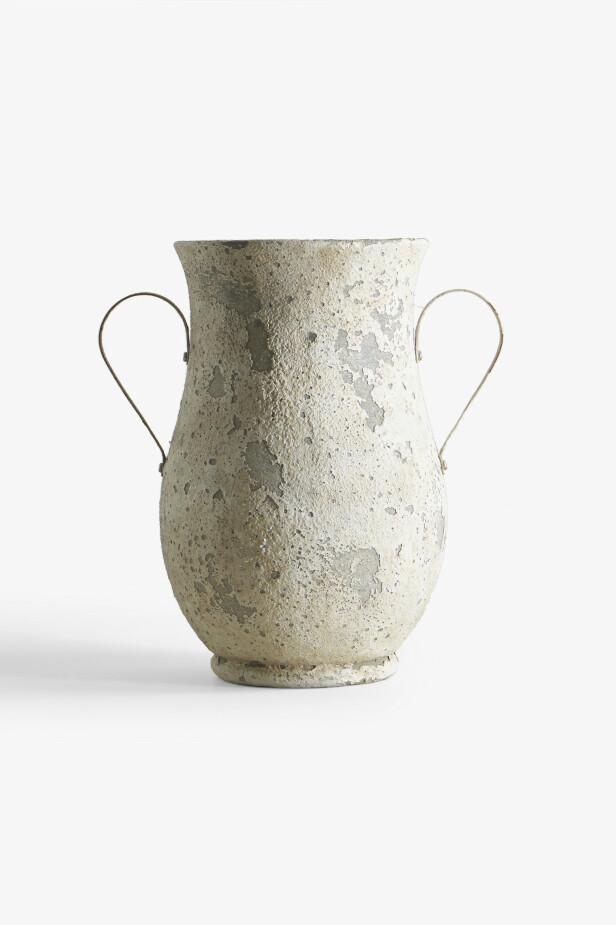 Vase (fra kr 260, Zara Home). FOTO: Produsenten